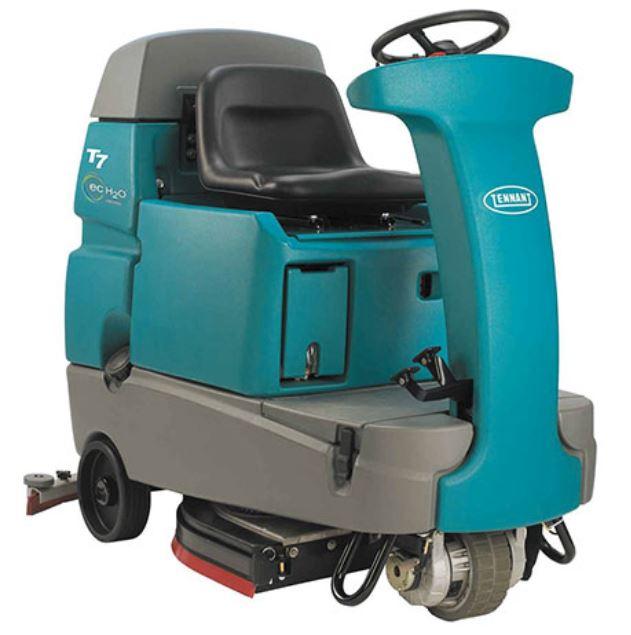 T7 Tennant Floor Scrubber